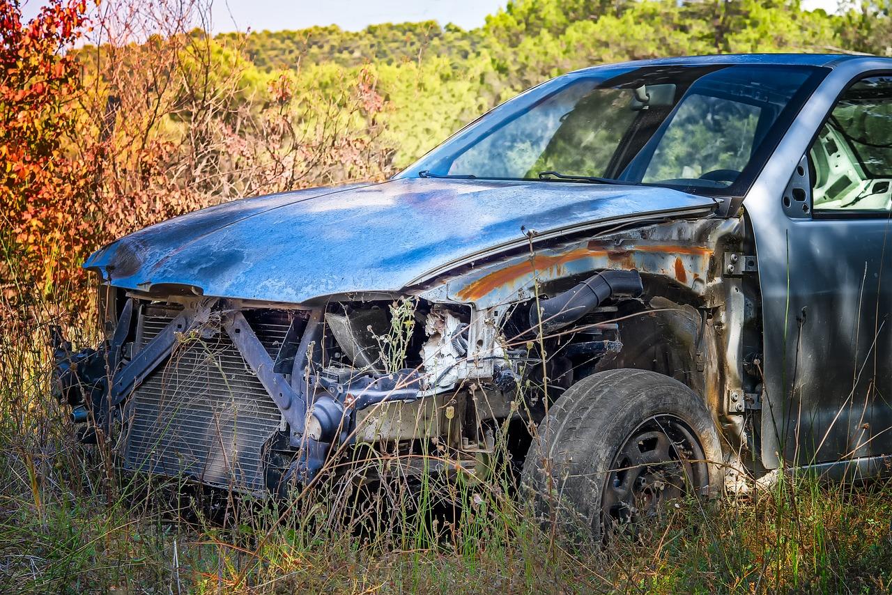Jak wygląda naprawa samochodu po wypadku? Blacharz samochodowy Kraków